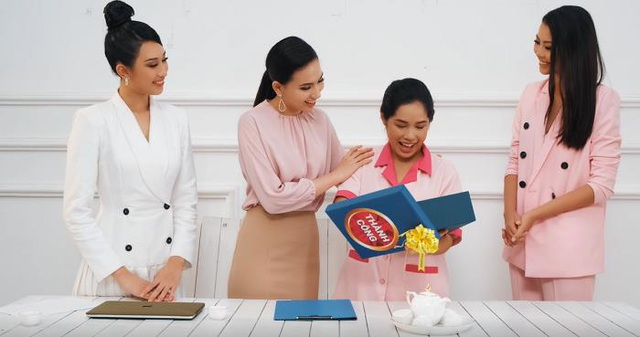 Sản phẩm ngân hàng được thí sinh Miss Universe Việt Nam 2019 tung thành MV - Ảnh 2.