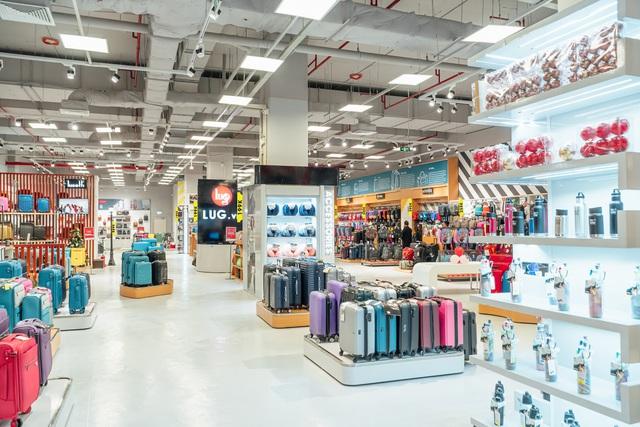 LUG mở Mega Store quy mô 789m2 lớn nhất tại AEON Hà Đông: rất nhiều sản phẩm hành lý quốc tế nổi tiếng, giá hợp lý - Ảnh 3.