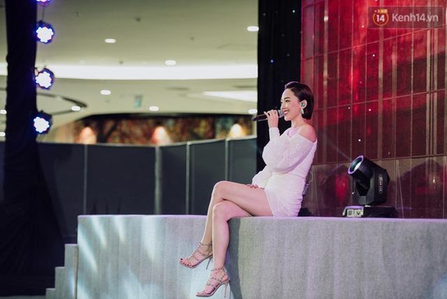 """Tóc Tiên và Bùi Anh Tuấn """"quẩy banh nóc"""" cùng hàng nghìn khán giả trong sự kiện âm nhạc cuối tuần - ảnh 3"""