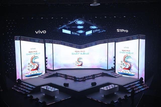 """Vivo S1 Pro ra mắt bùng nổ trong buổi tiệc âm nhạc và công nghệ """"Khai Phá Chất Riêng"""" - ảnh 1"""