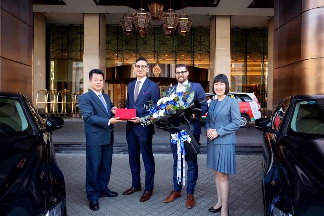Caravelle Saigon chính thức tiếp nhận lô xe cao cấp Jaguar XF Prestige - Ảnh 1.