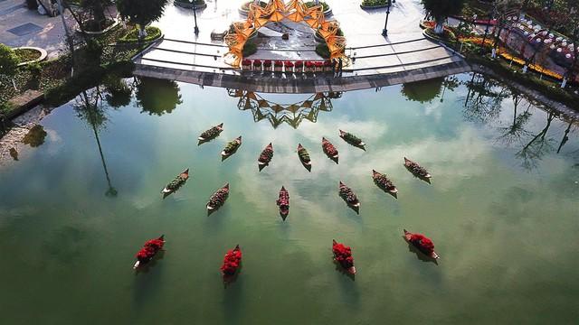 Lễ hội hoa xuân Sun World Halong Complex: Điểm hẹn hấp dẫn thu hút du khách dịp Tết - Ảnh 2.