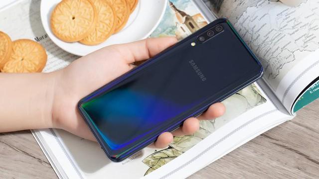 29.000 người đặt trước, Galaxy A50 soán ngôi smartphone đắt khách nhất trên Thế Giới Di Động - ảnh 3