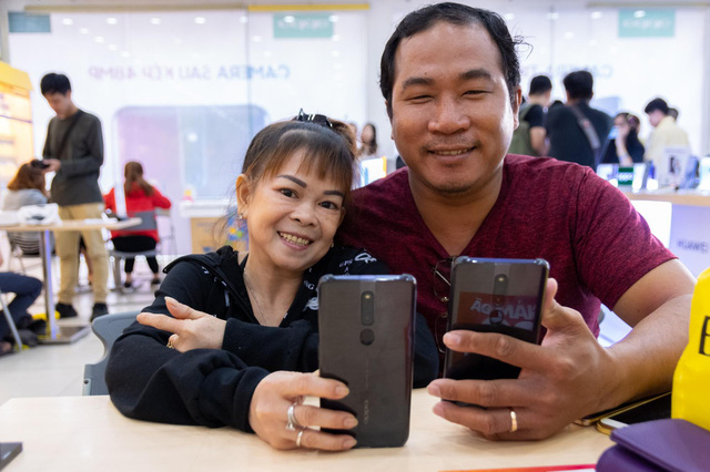 OPPO F11 Pro chính thức tới tay khách hàng Việt, lập kỷ lục với gần 37 ngàn đơn đặt cọc - Ảnh 2.