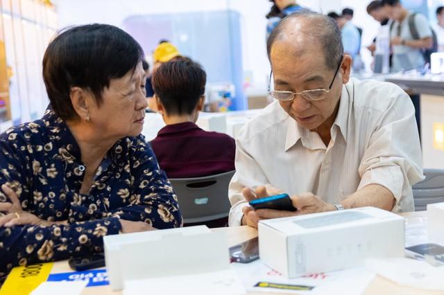 OPPO F11 Pro chính thức tới tay khách hàng Việt, lập kỷ lục với gần 37 ngàn đơn đặt cọc - Ảnh 5.