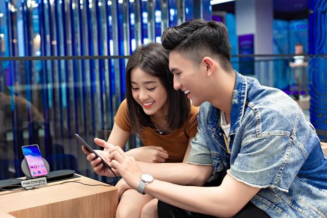 """Đến Samsung Showcase thì phải sống ảo với """"bức tường xanh"""" đang gây sốt trên MXH - Ảnh 7."""