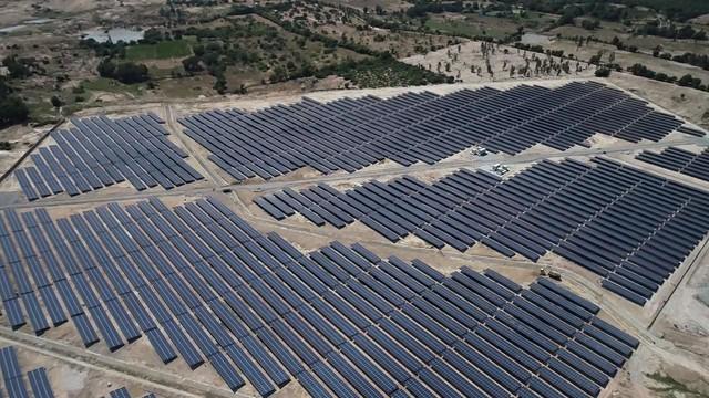 Bùng nổ điện mặt trời, những dự án lớn sắp phát điện - Ảnh 1.