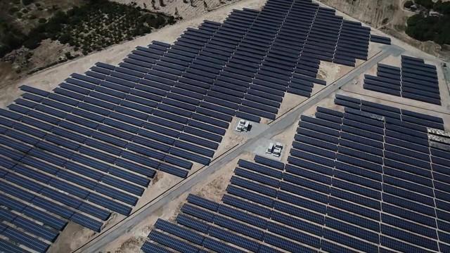 Bùng nổ điện mặt trời, những dự án lớn sắp phát điện - Ảnh 2.