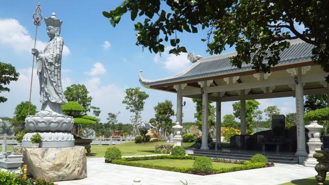 """Ông Phạm Thanh Tiến - Chủ đầu tư hệ thống công viên vĩnh hằng: """"Kinh doanh âm trạch cần đặt chữ tâm lên đầu"""" - Ảnh 2."""