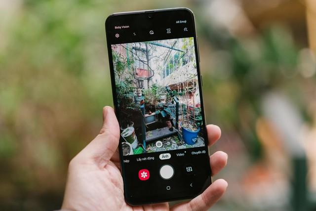 Hãy tránh những sai lầm tay mơ này khi chụp hình bằng camera góc rộng trên smartphone - Ảnh 1.