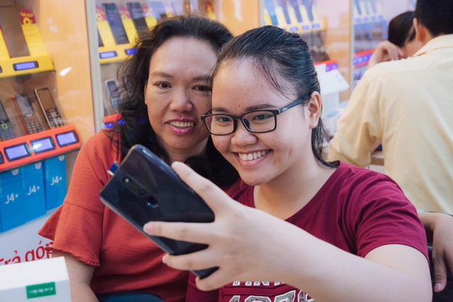 Sau thành công của bản Pro, OPPO F11 chính thức ra trận xác lập kỷ lục smartphone bán chạy nhất lịch sử của OPPO - Ảnh 4.