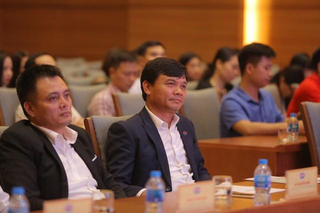 Shark Phú bắt tay cùng Shark Việt trong thương vụ hợp tác phát triển toàn diện - Ảnh 1.