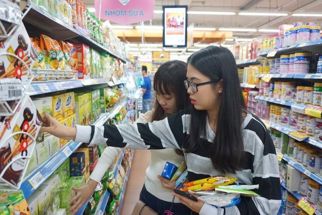 Mừng 30 năm, hệ thống bán lẻ Việt giảm giá mạnh cho hơn 30.000 sản phẩm - Ảnh 1.
