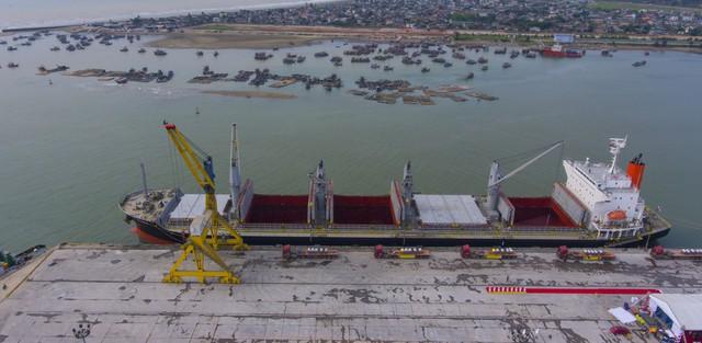 """Tập đoàn Hoa Sen xuất khẩu lô hàng 15.000 tấn tôn đến Mexico: Khẳng định mục tiêu đứng vững bằng cả """"hai chân"""" nội địa và xuất khẩu - Ảnh 1."""
