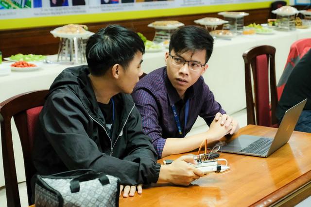 Thiết bị giúp trẻ tự học - Ý tưởng startup độc đáo của sinh viên Công nghệ thông tin - ảnh 1