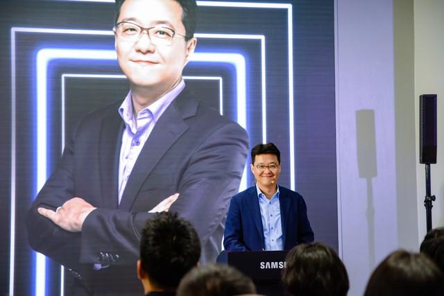 Samsung ra mắt tủ lạnh Side by Side RS5000: Thiết kế sang trọng, công nghệ mới tăng dung tích giữ lạnh ở mọi góc - Ảnh 1.