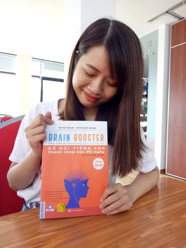 Vì sao cuốn sách Brain Booster - Nghe phản xạ tiếng Anh nhờ công nghệ sóng não được đánh giá là bảo bối cho người mất gốc? - Ảnh 2.