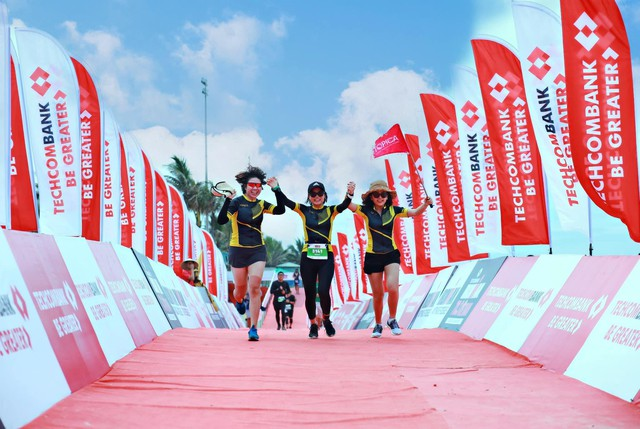 Một công ty công nghệ có ban giám đốc và hơn 40 nhân viên tham gia đường đua khắc nghiệt Ironman, và đây là lý do - Ảnh 1.