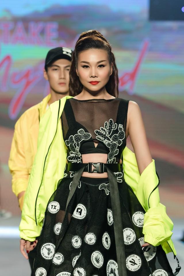 Dàn sao Việt đình đám quy tụ trong fashion show hoành tráng do Thanh Hằng làm vedette - ảnh 17