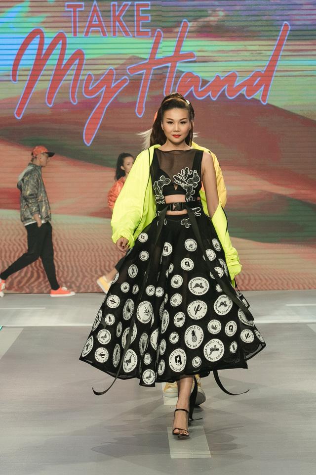 Dàn sao Việt đình đám quy tụ trong fashion show hoành tráng do Thanh Hằng làm vedette - ảnh 18