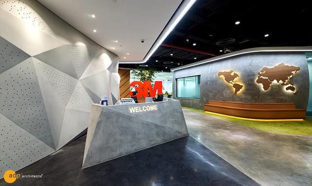 Thiết kế văn phòng lấy cảm hứng từ trường đại học đoạt giải Vàng Vmark 2019 - Ảnh 1.