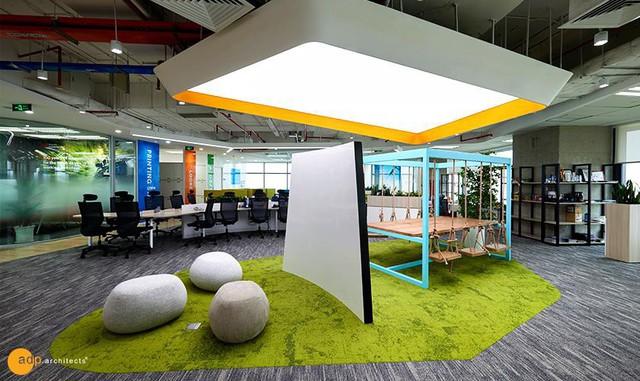 Thiết kế văn phòng lấy cảm hứng từ trường đại học đoạt giải Vàng Vmark 2019 - Ảnh 2.
