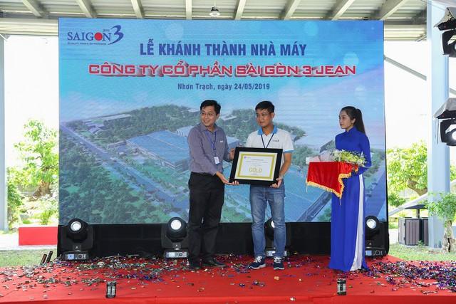 Nhà máy Sài Gòn 3 Jean chính thức khánh thành, mục tiêu sản xuất 35 triệu sản phẩm mỗi năm - Ảnh 1.