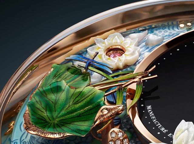 Jaquet Droz đưa bức hoạ động đầm sen, cá Koi và chuồn chuồn lên đồng hồ Magic Lotus Automaton - Ảnh 5.