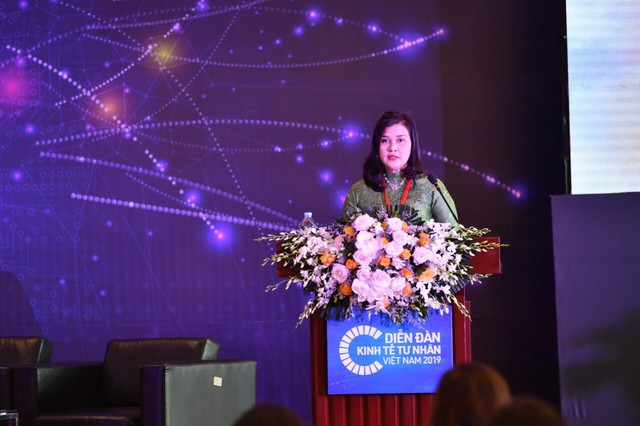 """Các """"nữ tướng"""" trên thương trường Việt chia sẻ câu chuyện thành công tại diễn đàn kinh tế tư nhân - Ảnh 2."""