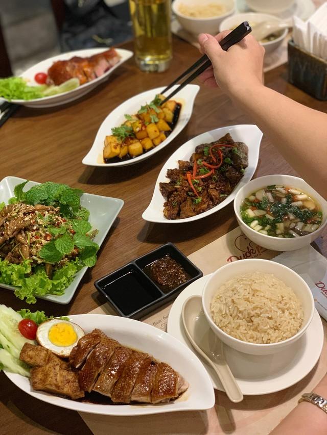 Khám pháquán cơm vịt Triều Châu mà giới trẻ Hà thành đang check-in rần rần thời gian qua - Ảnh 3.