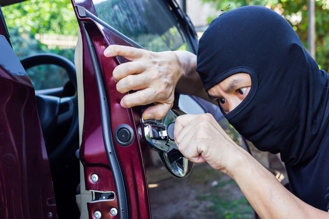 Hàng loạt xe sang bị mất cắp kính chiếu hậu khi đỗ ở Quận 7, thiệt hại cao nhất lên đến 100 triệu - Ảnh 1.