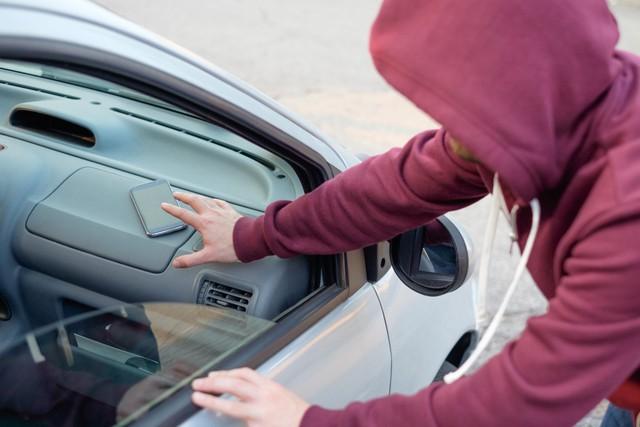 Hàng loạt xe sang bị mất cắp kính chiếu hậu khi đỗ ở Quận 7, thiệt hại cao nhất lên đến 100 triệu - Ảnh 2.