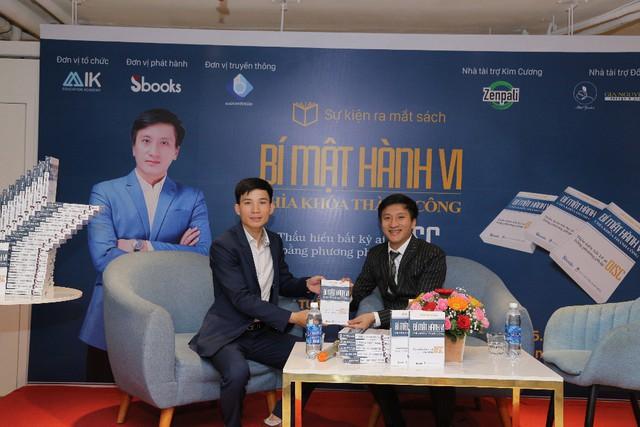 Tác giả Lê Minh Tuấn ra mắt sách 'Bí mật hành vi - Chìa khóa thành công' - Ảnh 1.