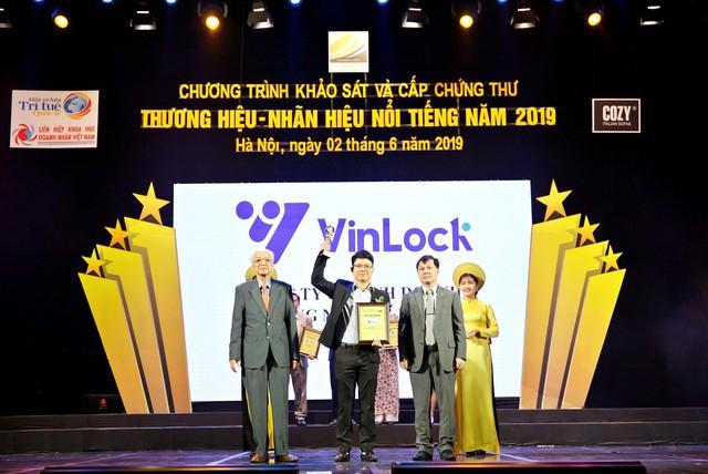 Vinlock tự hào vinh danh Top 10 thương hiệu nổi tiếng 2019 - Ảnh 1.