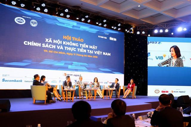 VIB đón đầu xu hướng thanh toán không dùng tiền mặt tại Việt Nam - Ảnh 1.