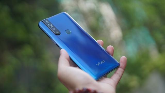 """Cuối tuần làm gì mà không """"săn"""" smartphone Vivo mới nhất, giá """"hạt dẻ"""" tại Thế Giới Di Động - ảnh 2"""