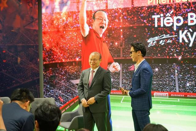 Ra mắt S10+ phiên bản Park Hang-seo riêng cho Việt Nam, thị trường 90 triệu dân ngày càng được Samsung quan tâm hơn - Ảnh 1.