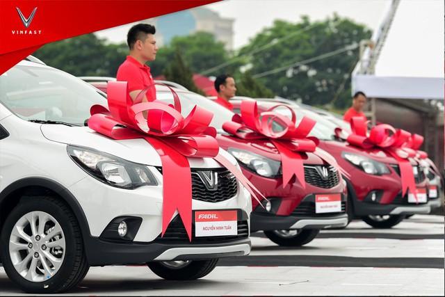 VinFast bàn giao hàng trăm xe Fadil, lập kỷ lục tại Việt Nam - Ảnh 4.