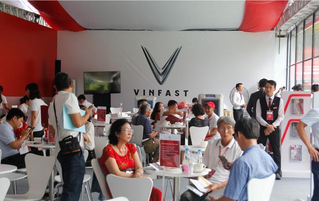 Chưa hãng xe nào làm lễ ra mắt hoành tráng như VinFast và đây là những minh chứng rõ ràng nhất - Ảnh 9.