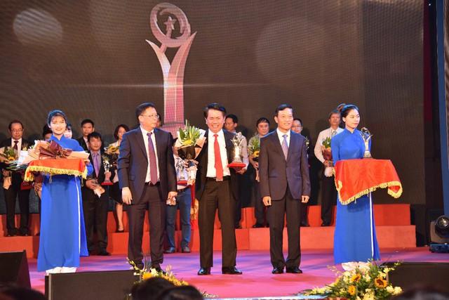 Tôn Hoa Sen và Ống kẽm Hoa Sen được vinh danh trong Lễ trao Giải thưởng chất lượng Quốc gia 2018 - Ảnh 1.
