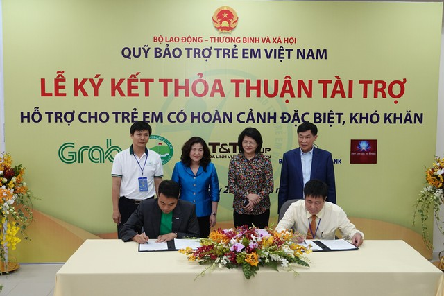 Lễ ký kết thỏa thuận tài trợ hỗ trợ cho trẻ em có hoàn cảnh đặc biệt, khó khăn - Ảnh 1.