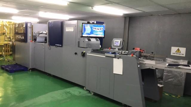 Trải nghiệm máy in phun UV kỹ thuật số MGI JETVarnish 3DS của Konica Minolta - Ảnh 2.