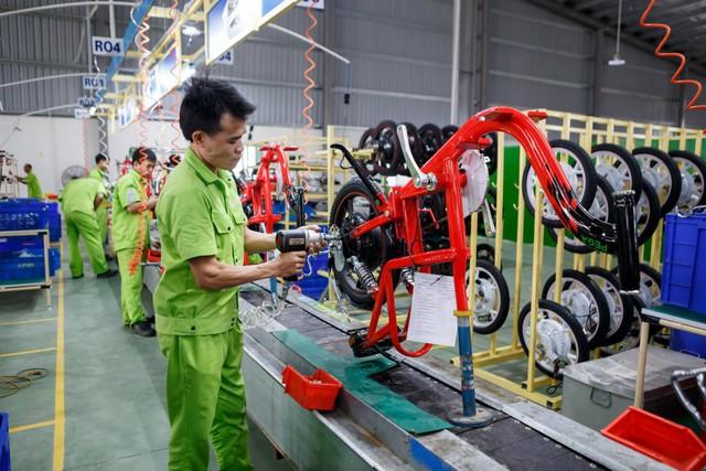 Thị trường xe điện bùng nổ, đại lý gào thét hàng từ nhà sản xuất - Ảnh 1.