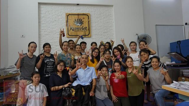 """""""Từ đôi tay đến ước mơ"""" – Hoạt động gắn kết cộng đồng tại xưởng Kym Việt - ảnh 5"""