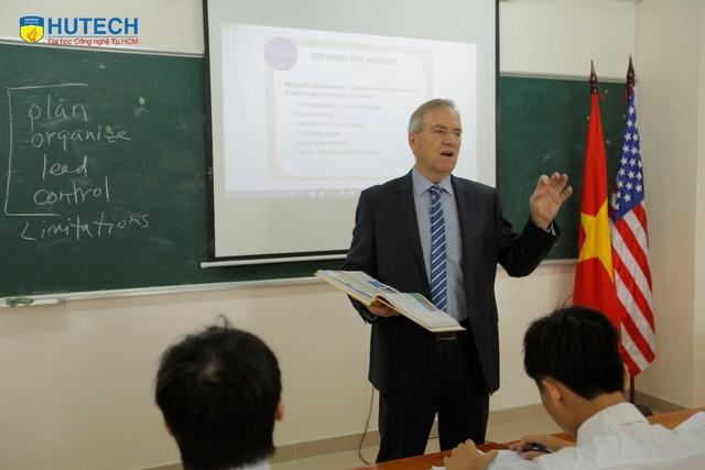 Tự tin khởi nghiệp toàn cầu với bằng MBA Hoa Kỳ ngay tại Việt Nam - Ảnh 1.
