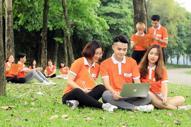 Bạn trẻ có hoàn cảnh khó khăn nhận ngay học bổng 27 triệu đồng từ Cao đẳng FPT Polytechnic - Ảnh 2.