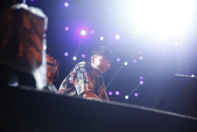 Jay Park phanh áo quyến rũ, liên tục nói tiếng Việt trong buổi rehearsal - ảnh 3