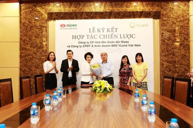 VLand ký kết hợp tác toàn diện cho chuỗi dự án bất động sản của Mipec - Ảnh 1.