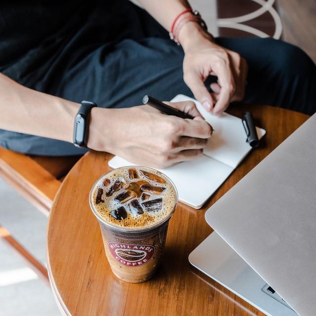 300 quán cà phê – trăm bức tranh cuộc sống tìm thấy ở Highlands Coffee - Ảnh 2.