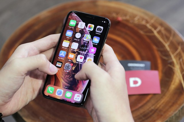 Người dùng iPhone 8 Plus, iPhone X giảm đến 12 triệu đồng khi mua iPhone Xs, Xs Max, trả góp lãi suất 0% tại Di Động Việt - Ảnh 1.